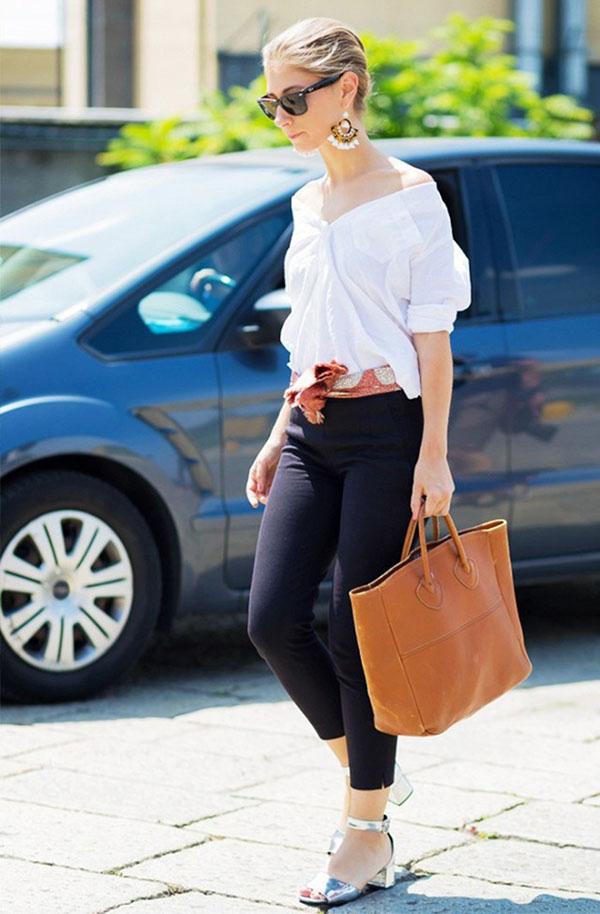 look-calca-cigarrete-preta-camisa-branca-bolsa-shopping-laranja-sandalia-salto-quadrado-prata-e-lenco-como-cinto