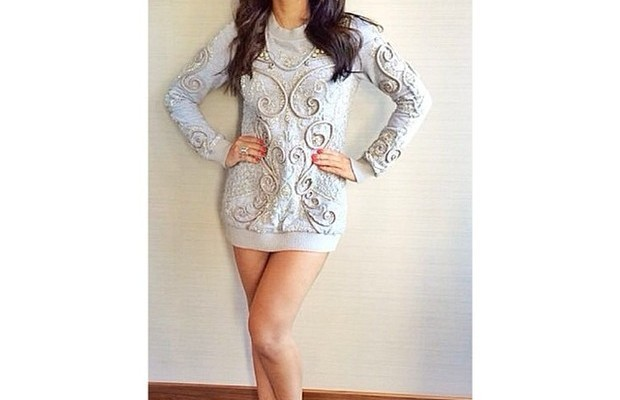 Anitta escolhe vestido de Fabiana Milazzo para lançamento de seu primeiro DVD