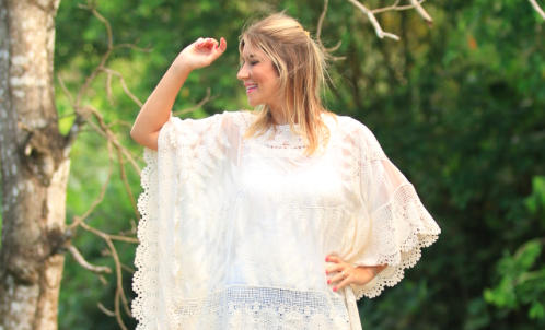Look do dia: Kaftan de seda bordado