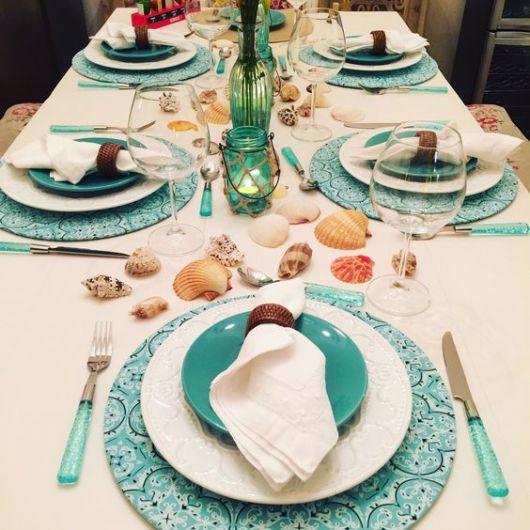mesa-posta-jantar-sousplat-azul