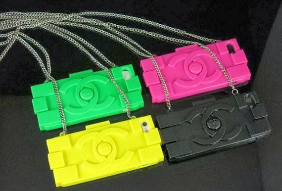 Capinhas de celular grifadas
